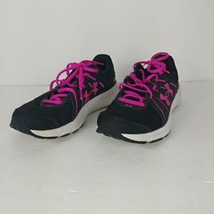 Under armour sneakers (size 8)